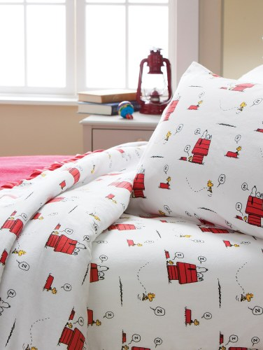 Peanuts Gang Flannel Sheets Bedding With Snoopy And Woodstock