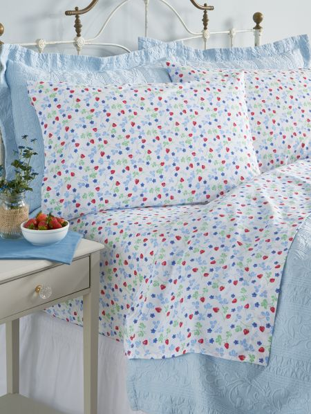 Lanz Strawberry Percale Sheet Set