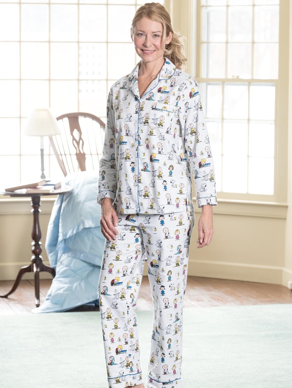 Womens Classic Peanuts Pajamas