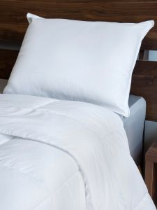 comfortable bed pillows accent